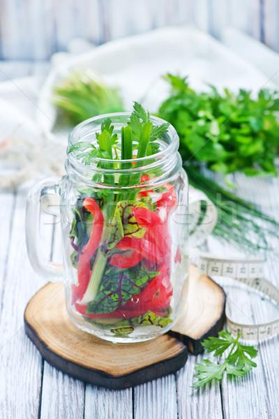 Légumes frais salade verre table alimentaire bois Photo stock © tycoon