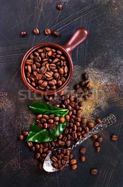 Café grains de café feuille verte table texture fond Photo stock © tycoon