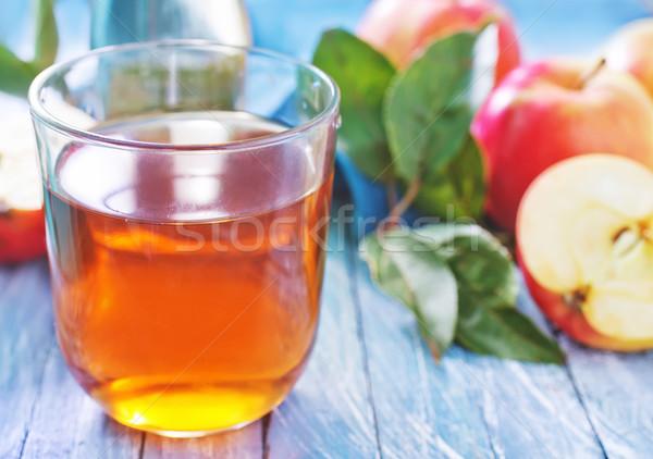 Almalé üveg asztal gyümölcs ital arany Stock fotó © tycoon
