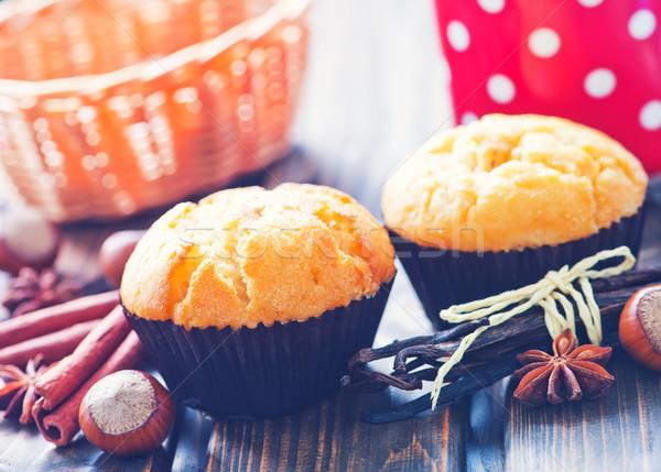 Tatlı tarçın kek ekmek yeme Stok fotoğraf © tycoon