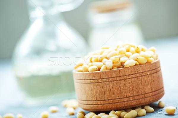 Ceder noten houten kom tabel gezondheid Stockfoto © tycoon