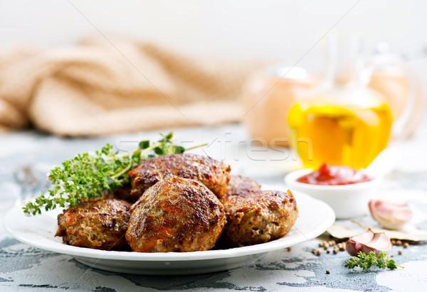 Húsgombócok tányér asztal egészség zöld labda Stock fotó © tycoon