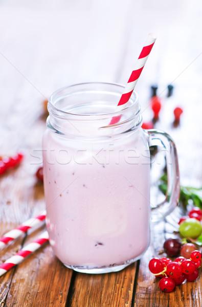 йогурт Ягоды стекла таблице продовольствие фон Сток-фото © tycoon
