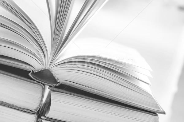 Ouvrir livres bureau papier livre bois Photo stock © tycoon