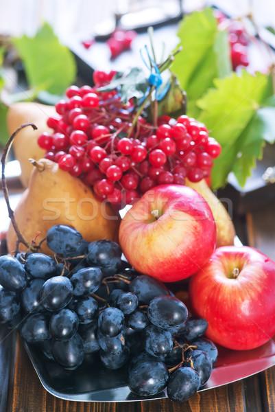 Stok fotoğraf: Sonbahar · meyve · ahşap · masa · elma · üzüm · doğa