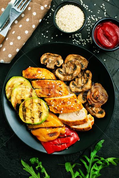 Kip vlees gegrild groenten plaat gegrilde kip Stockfoto © tycoon
