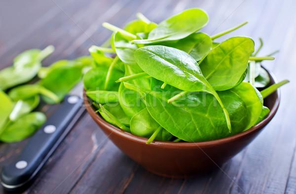 Сток-фото: свежие · шпинат · чаши · таблице · трава · лист