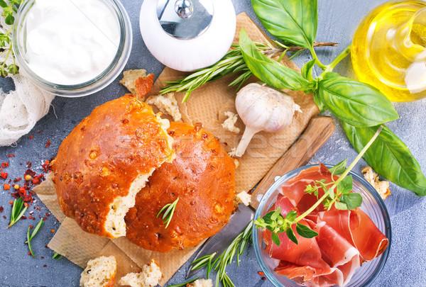Házi készítésű kenyér fokhagyma fűszer asztal étel Stock fotó © tycoon