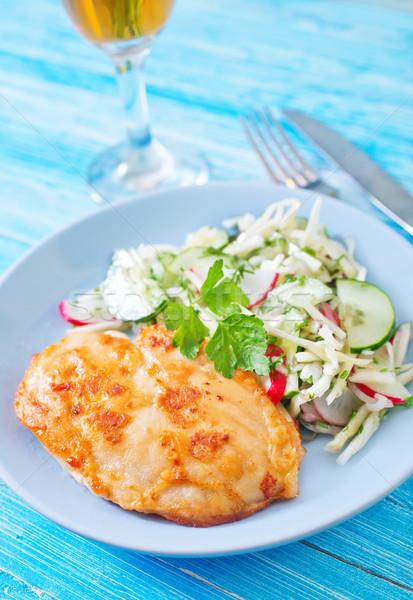 Csirkemell saláta vacsora hús paradicsom fehér Stock fotó © tycoon