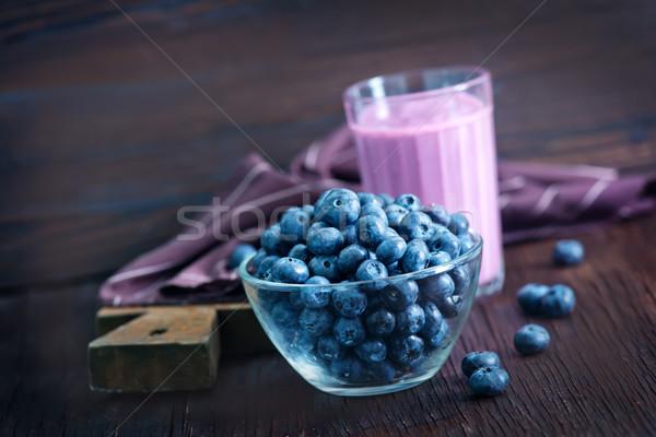 Yogurt mirtillo tavolo in legno bere mangiare bianco Foto d'archivio © tycoon
