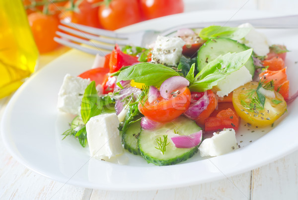 Griego ensalada hoja queso rojo placa Foto stock © tycoon