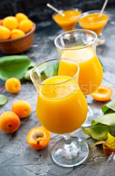 Kayısı meyve suyu taze gözlük tablo cam Stok fotoğraf © tycoon