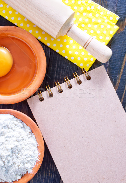 Stok fotoğraf: Malzemeler · kâğıt · mutfak · tablo · pişirme · dikkat