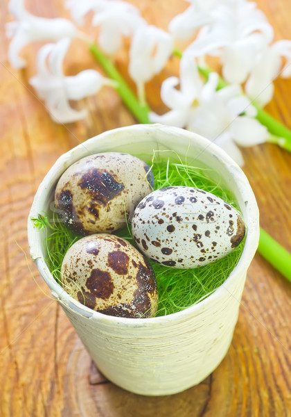 œufs de Pâques printemps chocolat fond table vert Photo stock © tycoon