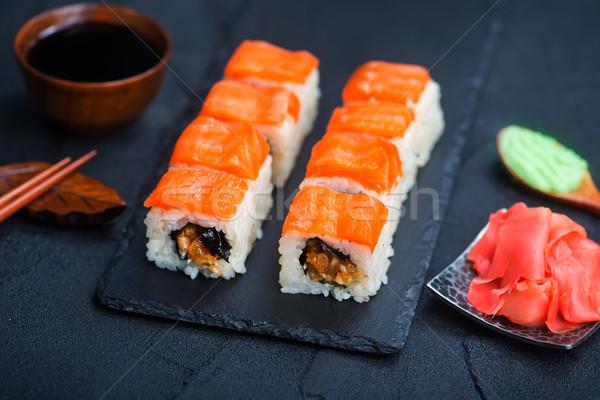 Sushi taze balık tahta gıda kırmızı Stok fotoğraf © tycoon