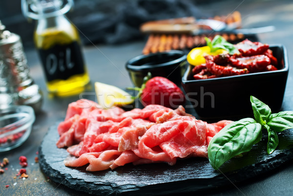 Stock fotó: Prosciutto · szeletek · olasz · friss · bazsalikom · száraz