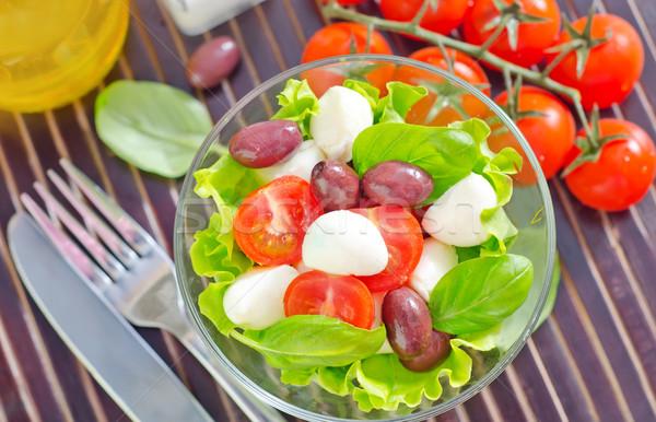 Caprese peynir akşam yemeği siyah salata beyaz Stok fotoğraf © tycoon