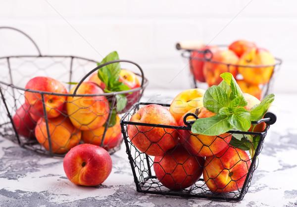 Stockfoto: Metaal · mand · tabel · Rood · vruchten · witte