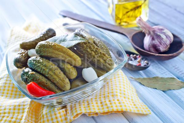 Komkommers voedsel hout keuken tabel plantaardige Stockfoto © tycoon