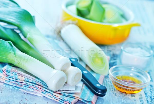 Frescos puerro cuchillo mesa de madera textura alimentos Foto stock © tycoon