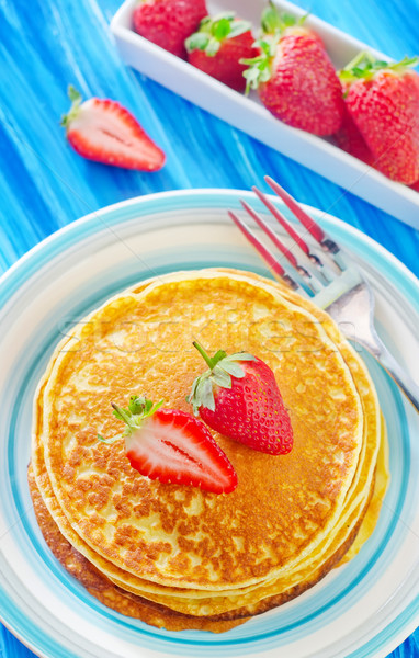 pancakes with strawberry Stock photo © tycoon