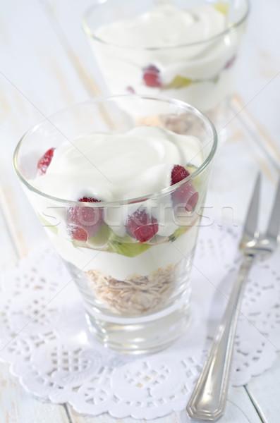 Foto stock: Avena · yogurt · vidrio · placa · desayuno