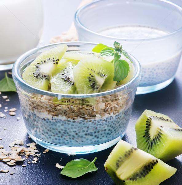 Zdjęcia stock: Mleka · nasion · kiwi · puchar · świetle · owoców
