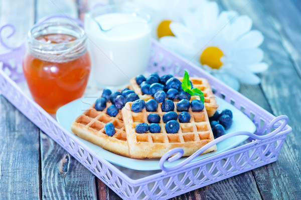 Gaufre myrtille plaque table fruits lait Photo stock © tycoon