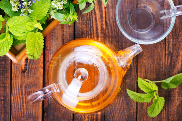 Chá medicinal fresco erva tabela comida vidro Foto stock © tycoon
