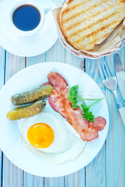 fried egg with bacon  Stock photo © tycoon