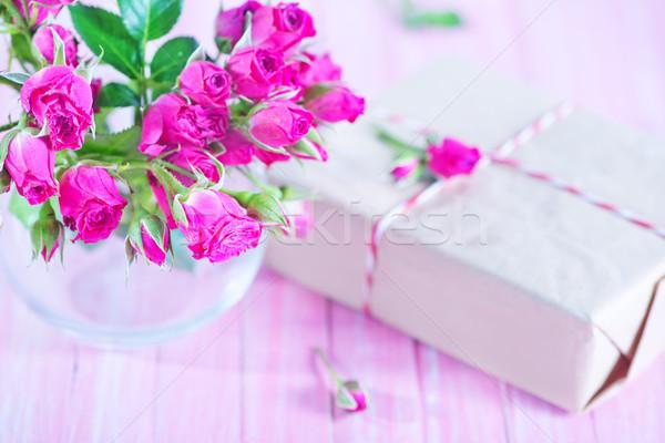 Virágok váza asztal virág szeretet természet Stock fotó © tycoon