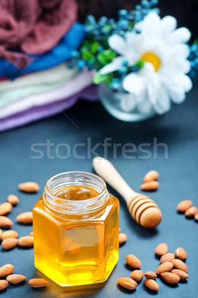 меда орехи таблице складе фото продовольствие Сток-фото © tycoon