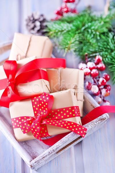 Hediyeler Noel dekorasyon tablo arka plan kutu Stok fotoğraf © tycoon