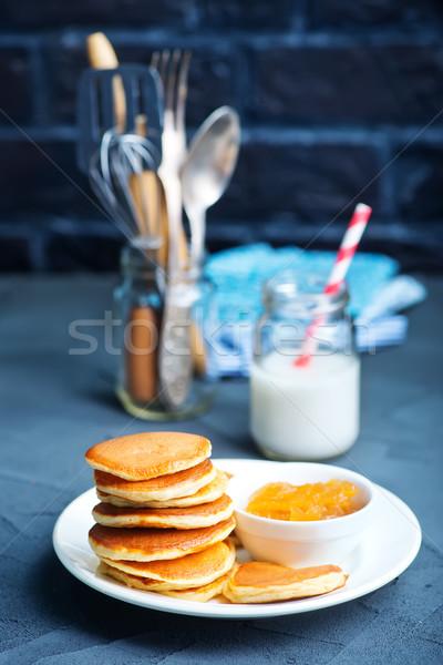 Pannenkoeken plaat tabel voedsel achtergrond cake Stockfoto © tycoon