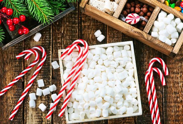 Сток-фото: Рождества · конфеты · окна · таблице · дерево · древесины