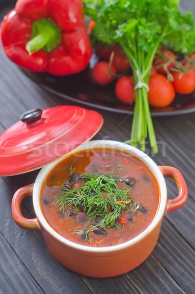 Sopa de frijol madera placa carne tomate caliente Foto stock © tycoon
