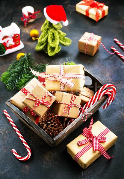 Noël décoration boîte présents table coeur Photo stock © tycoon