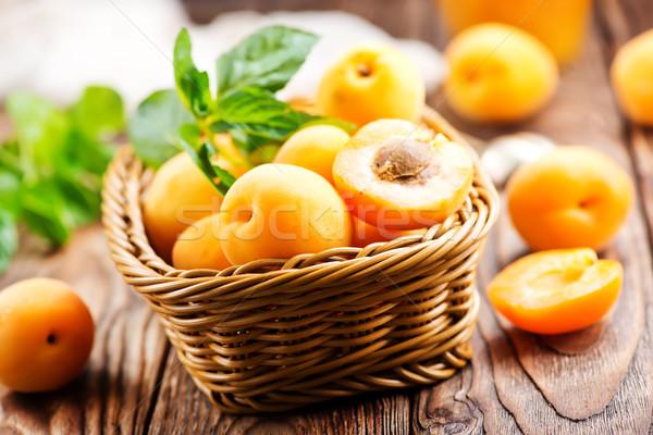 свежие корзины таблице древесины лист фрукты Сток-фото © tycoon