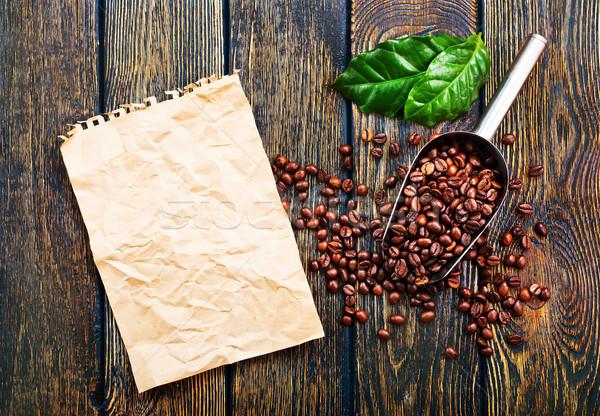 Grains de café table en bois stock photo bureau texture Photo stock © tycoon