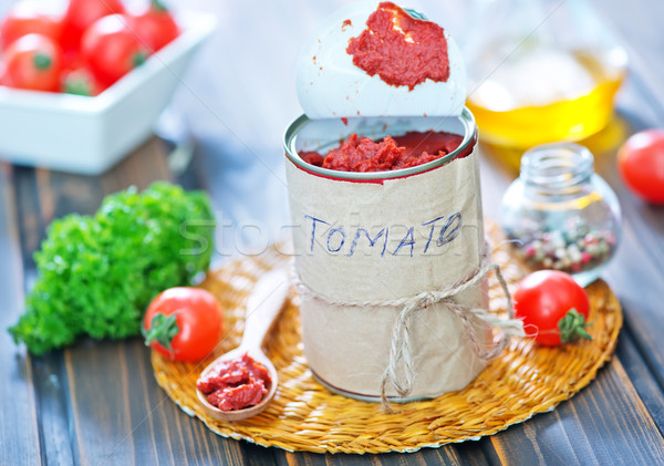 Salsa de tomate metal banco mesa madera luz Foto stock © tycoon