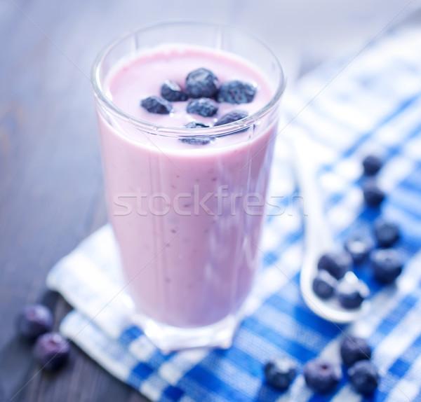 Iogurte fruto saúde leite vermelho Foto stock © tycoon