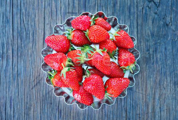 Foto stock: Morango · fresco · tabela · vermelho · mesa · de · madeira · comida