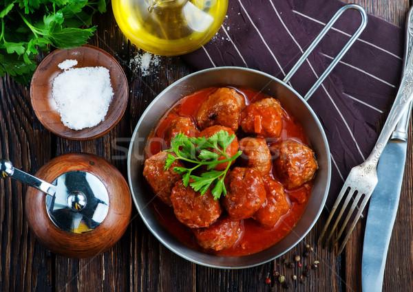 Húsgombócok paradicsomszósz serpenyő étel vacsora piros Stock fotó © tycoon