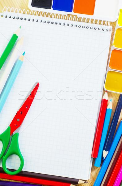 Przybory szkolne pióro farbują tabeli zielone niebieski Zdjęcia stock © tycoon