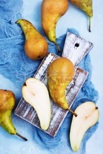 新鮮 梨子 板 表 木 家 商業照片 © tycoon