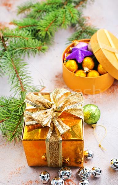Stock fotó: Karácsony · dekoráció · ajándékok · asztal · háttér · űr
