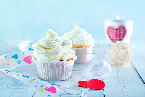 Muffinok fehér krém asztal szeretet születésnap Stock fotó © tycoon