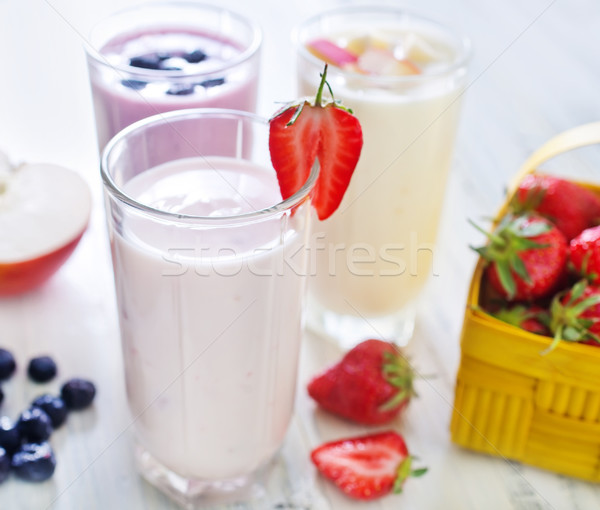 Sweet yogourt verre table bois fruits Photo stock © tycoon