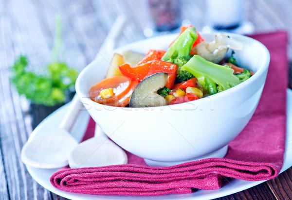 Groenten kom tabel voedsel gezondheid maaltijd Stockfoto © tycoon