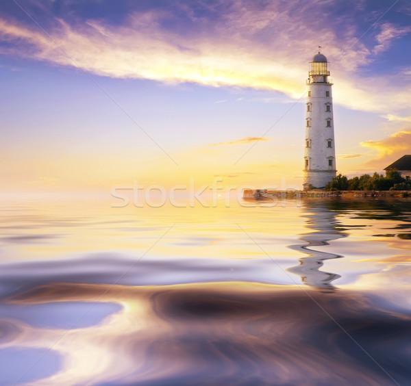 Vuurtoren hemel huis zon natuur licht Stockfoto © tycoon